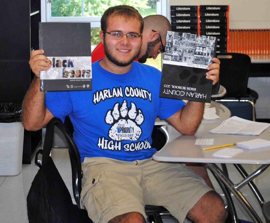 Yearbooks arrive at HCHS