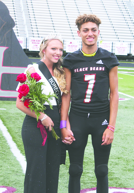 Hannah+Wood+was+crowned+the+Harlan+County+High+School+homecoming+queen+in+ceremonies+before+Friday%E2%80%99s+game+against+Knox+Central.+Wood+was+escorted+by+senior+receiver%2Fdefensive+back+Justin+Brown.